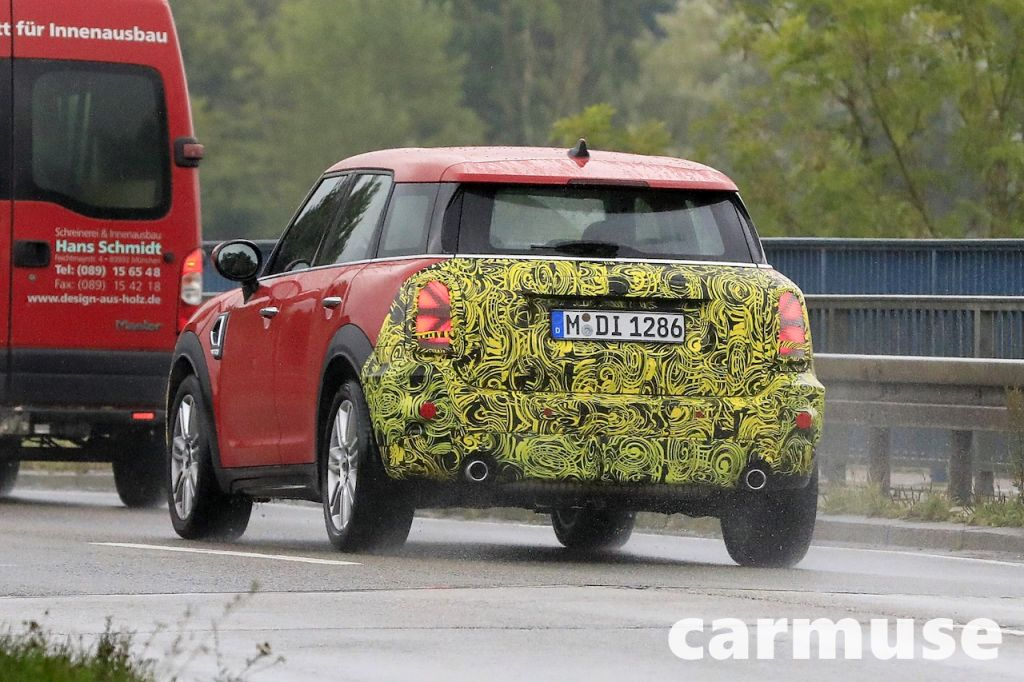 mini countryman crossover rear photo -2