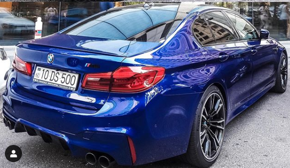 current BMW M5 back photo